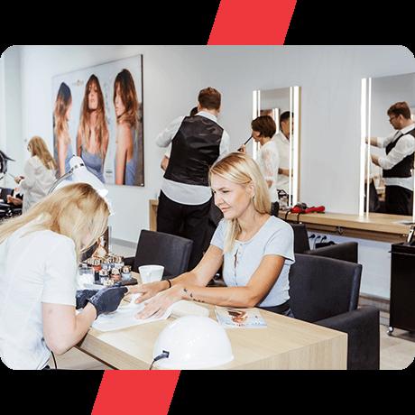 Nail сервис в салоне Mod's Hair Paris